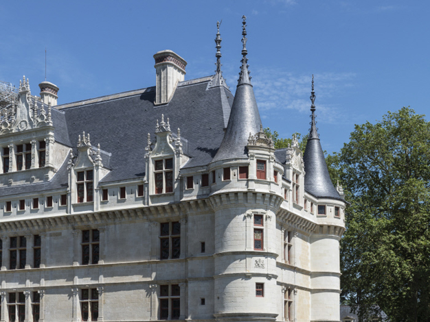 The renaissance of the Château d\'Azay-le-Rideau