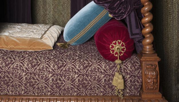 a renaissance bedroom. Black Bedroom Furniture Sets. Home Design Ideas