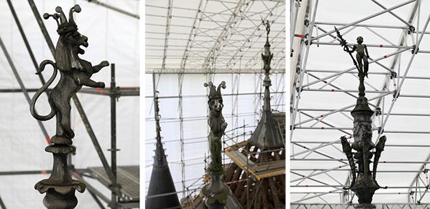 Épis de faîtage avant restauration / Photo : © Gilles Codina / Centre des monuments nationaux