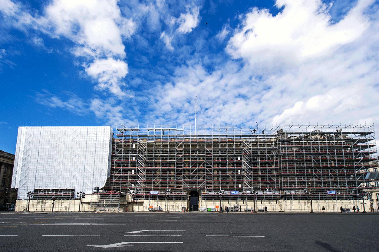Façade de l'Hôtel de la marine en chantier