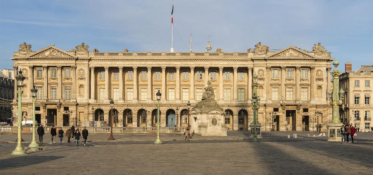 La façade de l'Hôtel de la Marine sur la place de la Concorde
