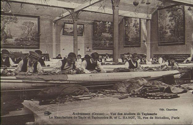 Atelier de tapisserie à Aubusson vers 1900