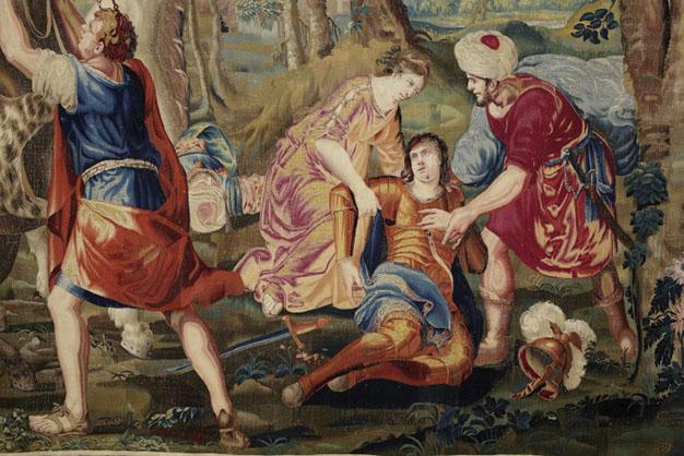 Herminie relève Tancrède (détail). Sixième pièce de la tenture de l'Histoire de Tancrède et Clorinde. Prise de vue après restauration.