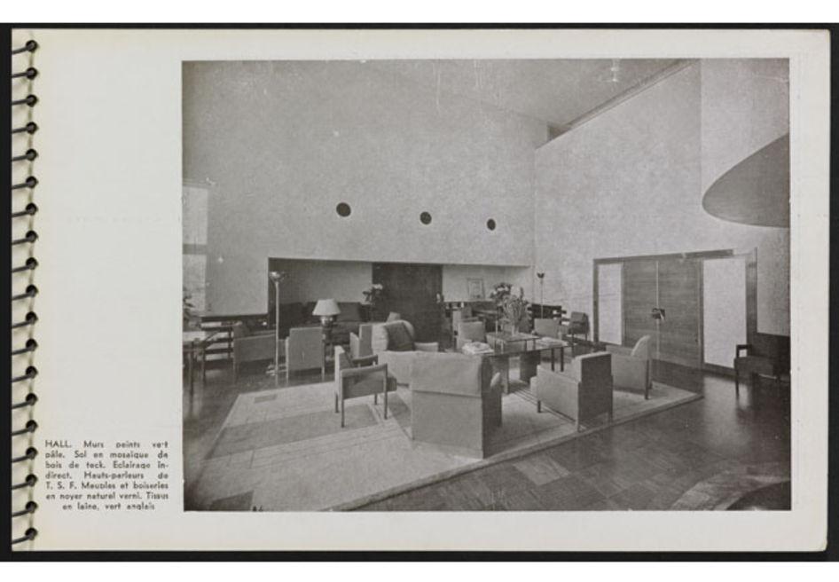 """Page 21 """"Une Demeure 1934"""", Boulogne, Ed. de l'Architecture d'Aujourd'hui, 1934."""