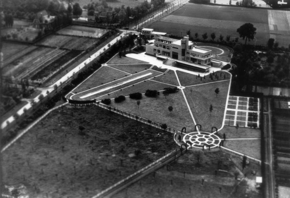 Vue aérienne de la villa vers 1930
